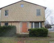 135  Texas Street, Lindenhurst image