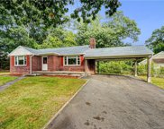 21 North Forest  Circle, West Haven image