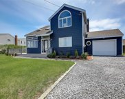 6 Oceanview  Place, Center Moriches image