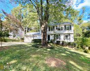 9810 Pond Circle, Roswell image