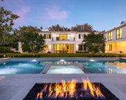 1000  Laurel Way, Beverly Hills image