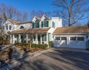 17 Parkview Dr, Muttontown image