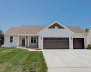 2876 Lakeview Dr, East Troy image
