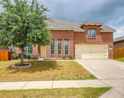 412 Crown Oaks Drive, Fort Worth image