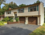28 Twin Circle  Road, West Haven image