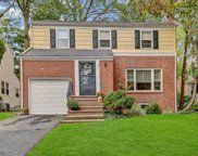 4 NORTHVIEW TER, Maplewood Twp. image