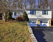 35 Knollwood  Drive, New Haven image