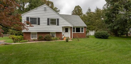 1377 Ship Rd, West Chester