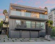 2805     3Rd Street, Santa Monica image