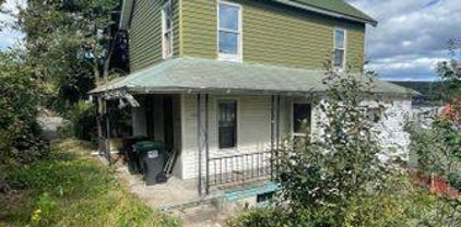 508 Delaware St, Forest City