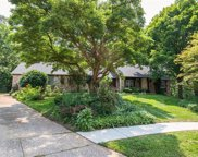 484 Hunters Hill  Drive, Chesterfield image