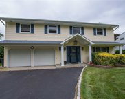 33 Sioux  Drive, Commack image
