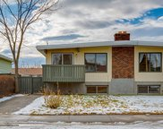 231 Silver Mead Close Northwest, Calgary image