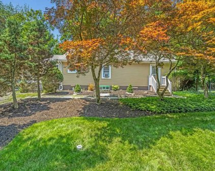 10 Old Stone Church Road, Upper Saddle River
