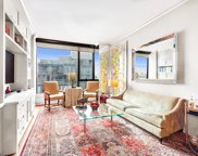 255 Hudson St Unit 10C, New York image