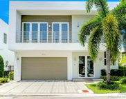 9721 Nw 74th Ter, Doral image