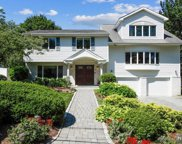 7 Lakeview Drive, West Orange image