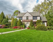 30 Swarthmore  Road, Scarsdale image