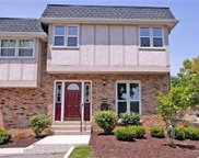 12857 Town And Four  Drive, Creve Coeur image
