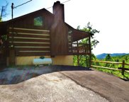 2325 Foxwell Way, Sevierville image