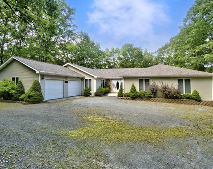 802 Cherry Ct, Lords Valley