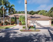 2501 Montclaire Cir, Weston image