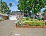 2725  Green Bay Way, Sacramento image
