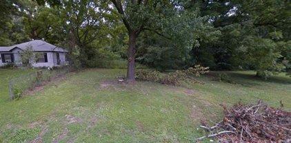 3490 Ardmore, Memphis