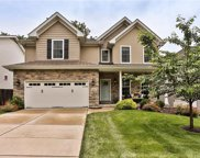 926 Twin Pine  Drive, Des Peres image