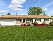 323 Shingle Hill  Road, West Haven image