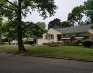 3 Diellen  Court, Commack image