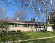 W56N753 Meadow Ln, Cedarburg image