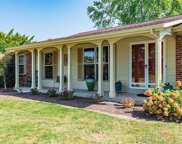 11774 Roundhill  Drive, St Louis image