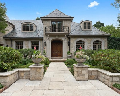 55 Stonegate Road, Lake Forest