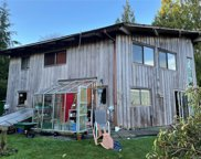 690 Campbell  St, Tofino image