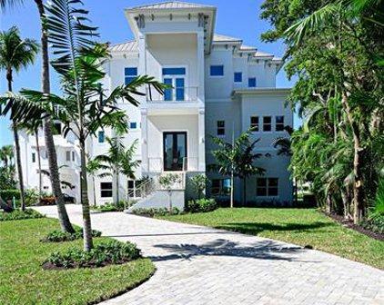 105 Bonaire Ln, Bonita Springs