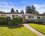 2945 Eastdowne  Rd, Oak Bay image