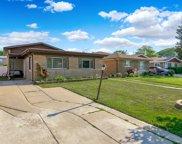 3831 W Jarvis Avenue, Lincolnwood image