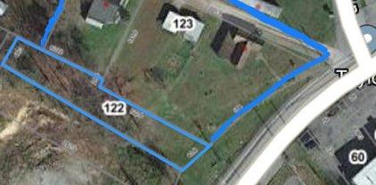 325/327 Rural Acres Drive, Beckley