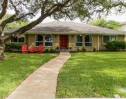 8910 Echo Valley Drive, Dallas image