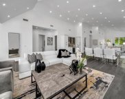 825 S Highland Ave, Los Angeles image