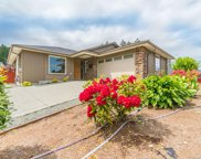 822 Stirling  Dr, Ladysmith image