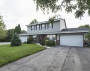 485 Green Meadow Dr, Brookfield image