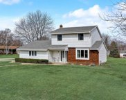 15430 W Harcove Dr, New Berlin image