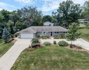1175 Rolling Green Dr, Brookfield image