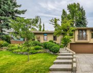 86 Roselawn Crescent Nw, Calgary image