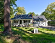 134 Forest  Avenue, Winchester image