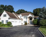 47 Hunting Hollow Ct, Dix Hills image