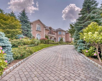 110 Hoover Drive, Cresskill