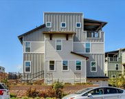 16 Hibiscus Ct, Daly City image